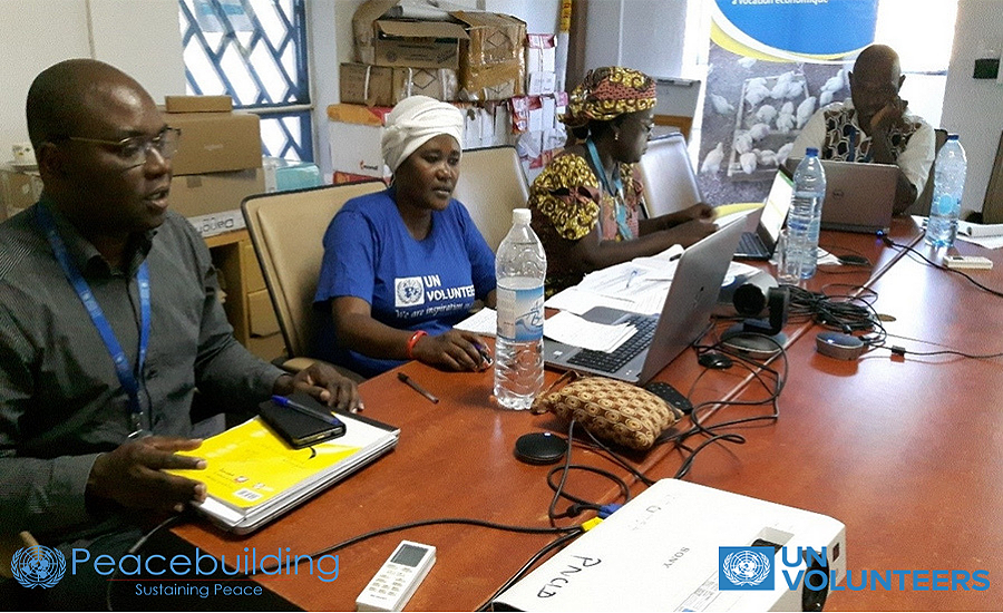 UNV Appoline Uwimbabazi, the PBF cross-border project coordinator, during a technical meeting with the Cameroonian team in Maroua to follow the progress of the implementation of the project.