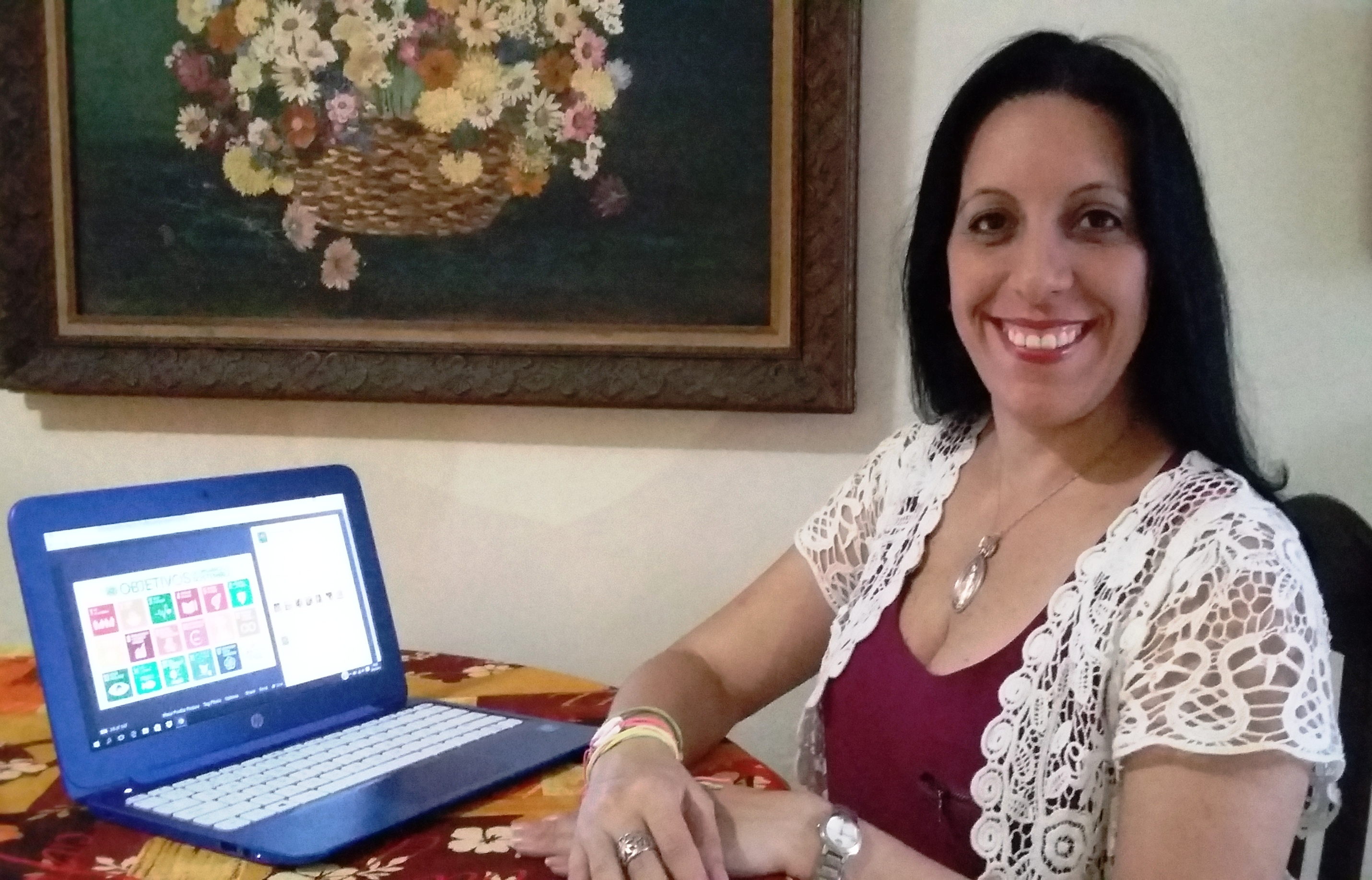 Emperatriz Nieves de Bustamante (Venezuela) volunteers with the Organzación SenosAyuda (Breast Cancer prevention) and is a UN Online Volunteer.
