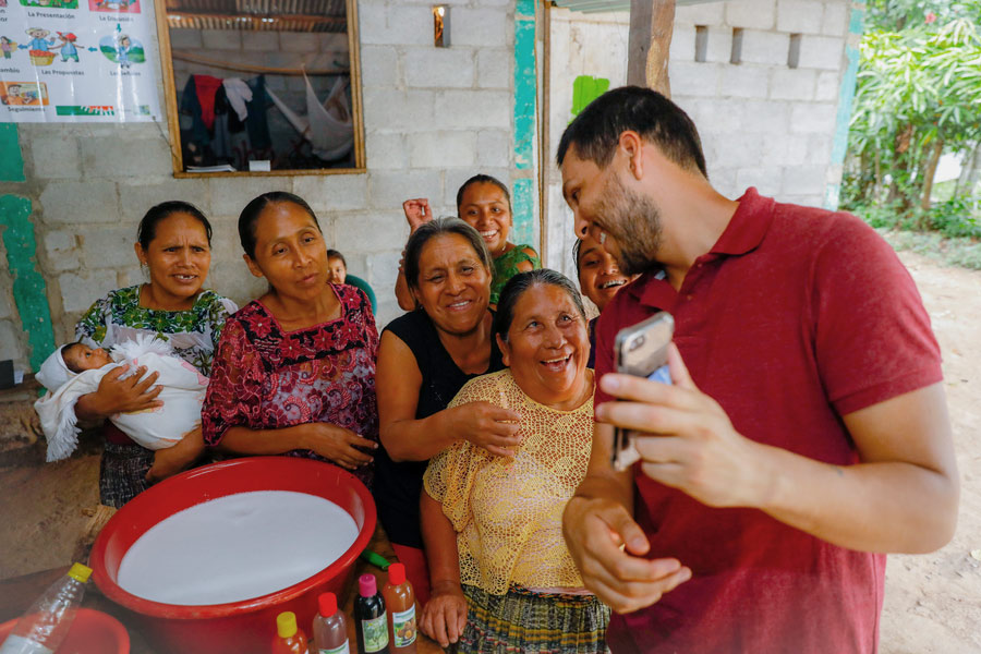 Carlos Rivera, UN Volunteer with UN Women in Guatemala, working along empowered women to build resilient communities.