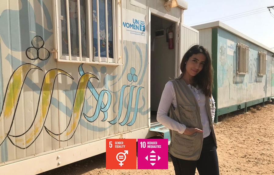 UN Volunteer Natalie Nustas (Jordan) at Za'tari refugee camp in Jordan.