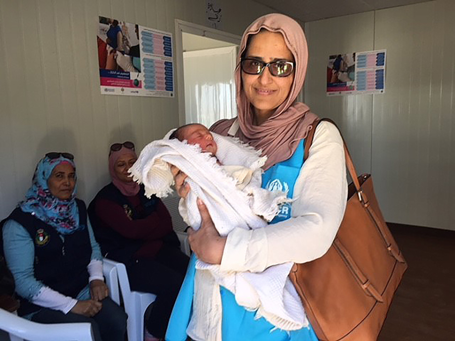 UN Volunteer Saima Khan (Pakistan) at a reproductive health clinic Jordan.