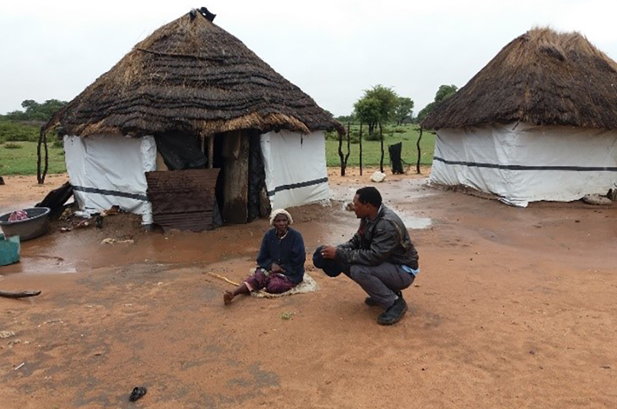 Zenzo discussing with Mholo Ncube of Ngwala village in Huhwana in Bulilima District.