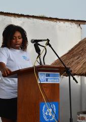 Nelly Mandengue, volontaire internationale (France) prononce le discours lors de l'atelier de sensibilisation sur la CPS à Bangui.