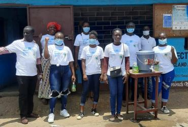 Volunteers raising awareness on COVID-19 in Liberia, with support of the UNV programme.