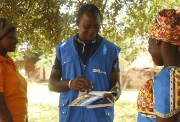 Daouda Michel Sawadogo, international UN Volunteer Youth Specialist, works with UNDP and Mali's regional authorities on the implementation of resilience activities for youth.