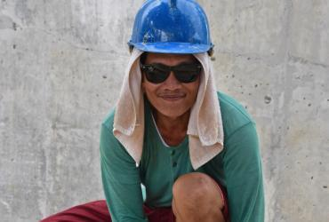 Oscar, a volunteer carpenter from the Philippines.