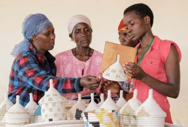 The UN Refugee Agency helps refugee artisans access decent work opportunities and economic growth.