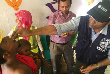 An immunization campaign in Cox's Bazar, Bangladesh (2017).