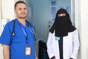 UN Volunteer Emergency Nurses Yahya Briah (left) and Asrar Ali (right) at the UN clinic in Ibb, Yemen.